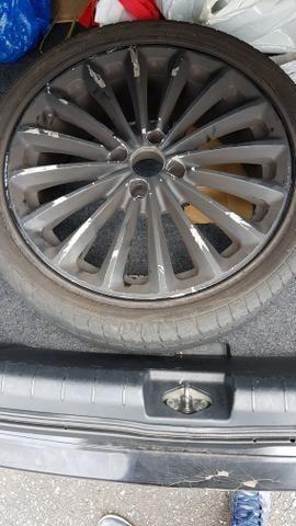 Jogo de rodas 17 com pneus (um par com pouco uso)