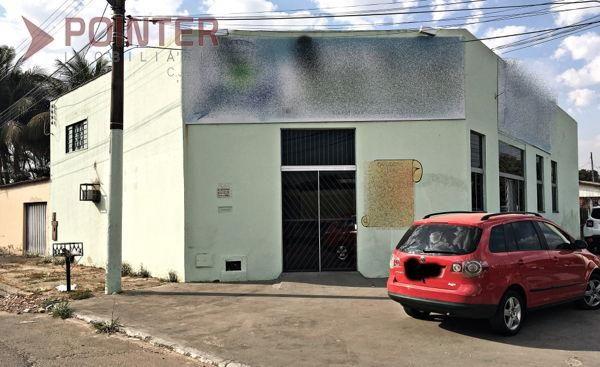 Casa  com 3 quartos - Bairro Cidade Jardim em Goiânia