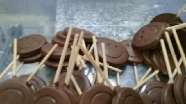 Pirulito de chocolate pra festa apartir de 1 real pão de mel mini trufas - Foto 2