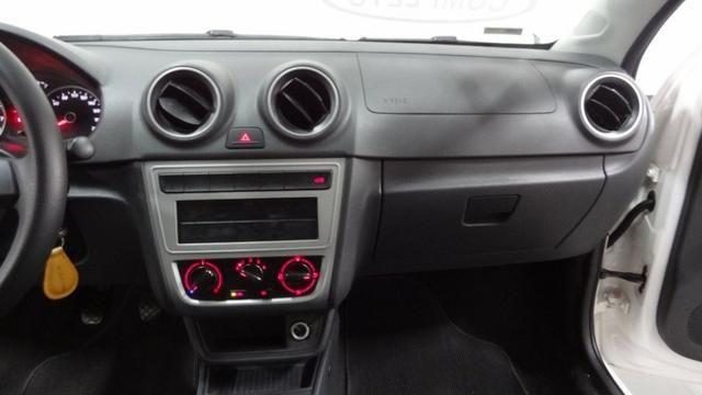 Volkswagen Voyage 1.0 (G6) Flex - Foto 9