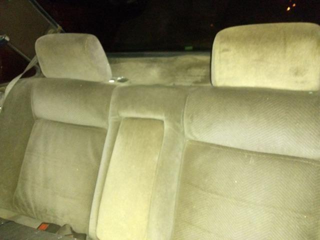 Santana 1.8 álcool, abertura nas portas por controle. Pneus e aros novos, carburador novo - Foto 2