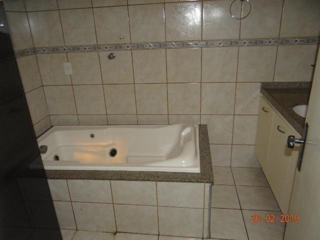 CA1841 Vendo ou Alugo, casa duplex com 5 quartos, 8 vagas de garagem, Cambeba - Foto 12