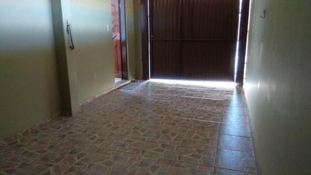 Ótima residência c/ 04 quartos, amplo terreno e salão de festas em Uvaranas !!! - Foto 16