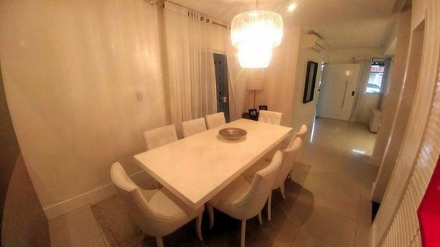 Casa de condominio com 4 suites e segurança 24 horas, bem localizada - Foto 14