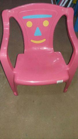 Mesa + 2 cadeiras infantil rosa