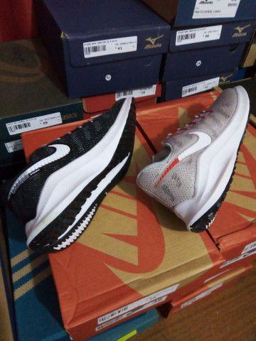 Tênis Nike Zoom- (36 e um 38).