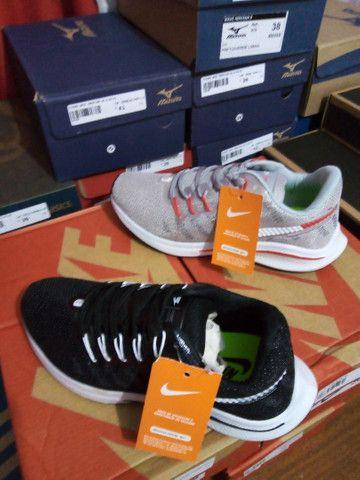 Tênis Nike Zoom- (36 e um 38). - Foto 4