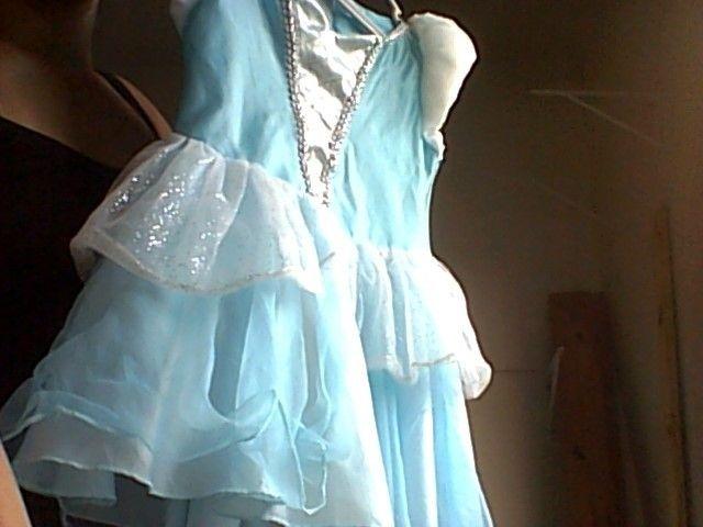Vestido Cinderela - 3 a 5 anos - Foto 2