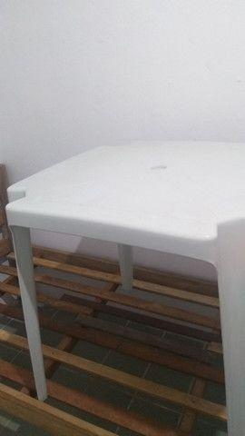 Mesa de plástico quadrada