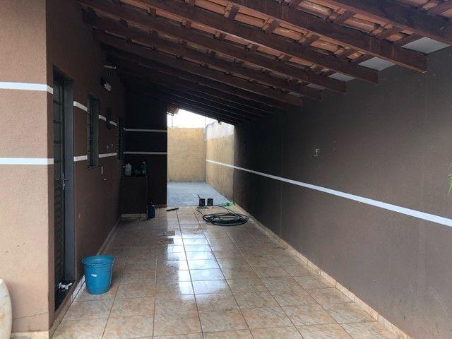 Linda Casa Condomínio Rita Vieira são 2 Suítes + 1 Quarto - Foto 13