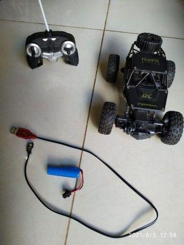 Carro controle remoto semi novo - Foto 2