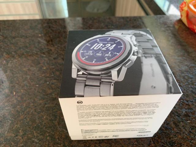 a7c5f9021ff72 Relógios Smartwatch Michael Kors - Novos - Na Caixa - Bijouterias ...