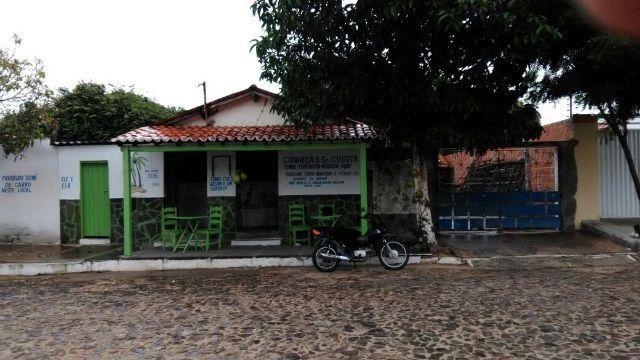 Casa com Ponto Comercial, Bairro Guarita