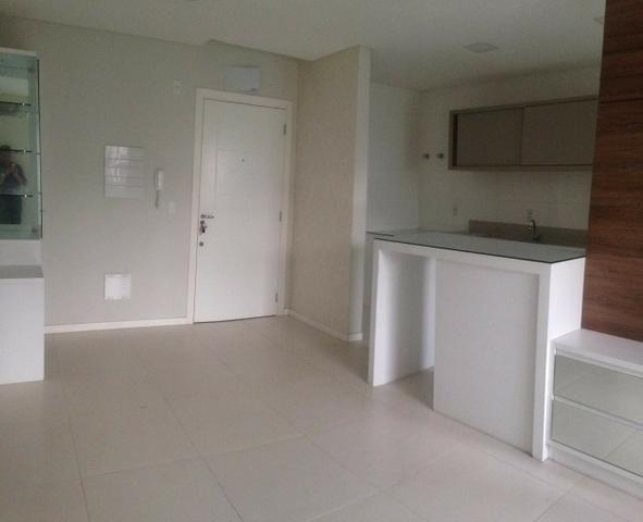 Apartamento 2 dormitórios sendo 1 suíte, em ótima localização no centro!! - Foto 4
