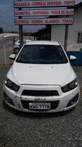 Vendo Chevrolet Sonic em ótimo estado whats - Foto 6