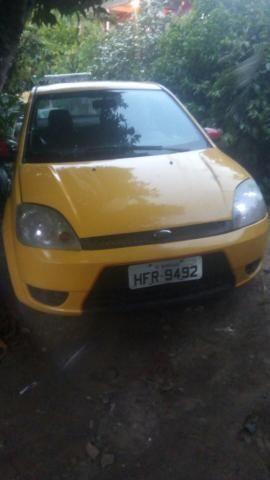 Fiesta sedan 1.6 Zetec Rocam 7.000