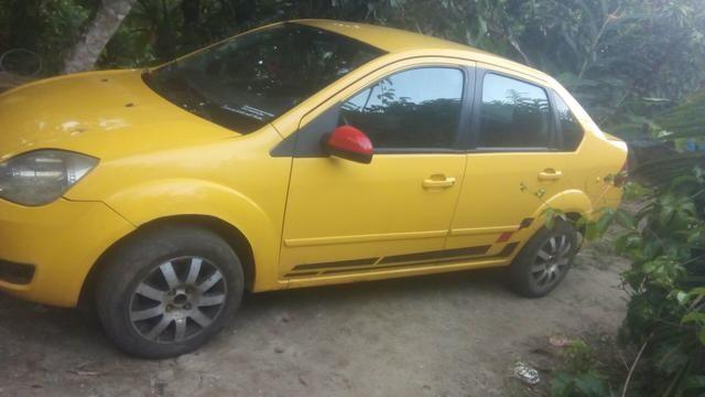 Fiesta sedan 1.6 Zetec Rocam 7.000 - Foto 6