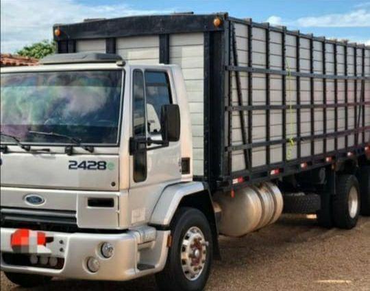 Vendo caminhão a vista ou financiado - Foto 2