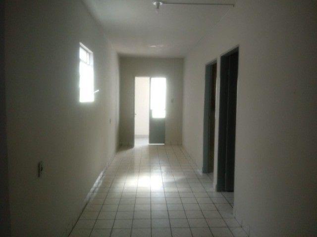 Apto. (1º andar) com garagem   Bairro Maria Auxiliadora   Próximo: Hospital Manoel Afonso - Foto 4