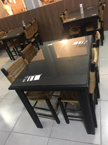 Conjuntos de mesas com 4 cadeiras