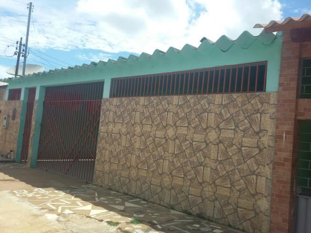 Vendo uma casa bem localizado no portal da amazônia- rua principal
