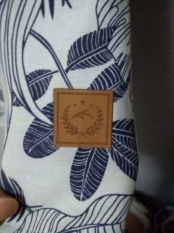 Camisa Maresia Havaiana com detalhe em couro - Foto 2