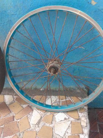 Pneu bike com aro 20 completo entregar com taxas - Foto 2