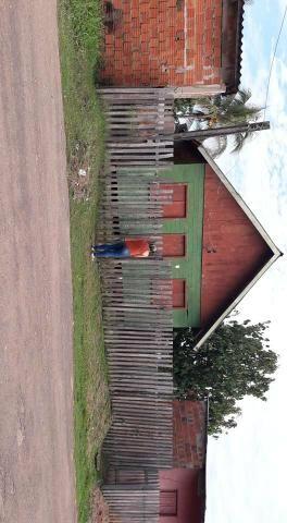 2 casa uma ao lado da outra 1 de madeira e outra de alvenaria - Foto 2