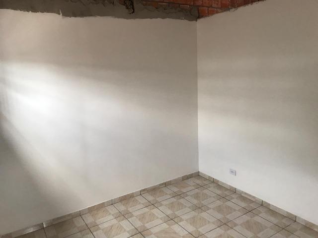 Alugo Casa 1 quarto - Nova Colina - 550,00 com garagem !! - Foto 4