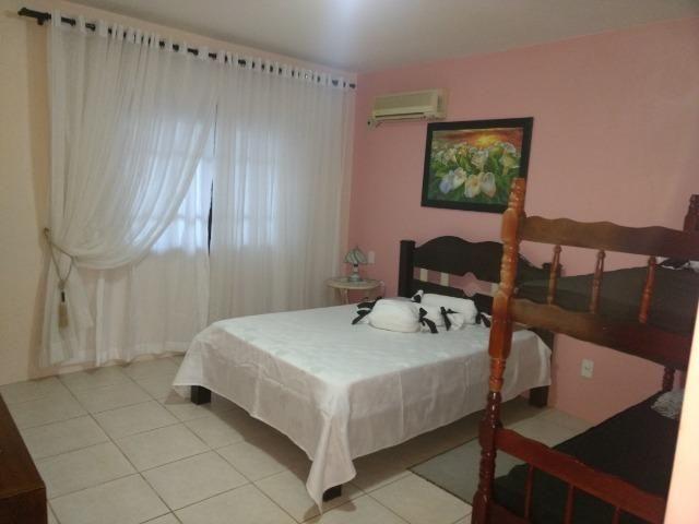 Casa e apartamento 50 mts da (Praia Enseada) c/ar e internet - Foto 8