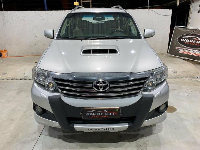 Toyota Hilux SW4 7 lugares 13/13