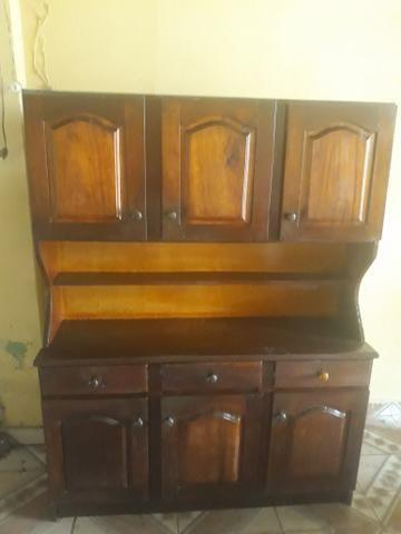 Vendo armário 400 reais de madeira maciça