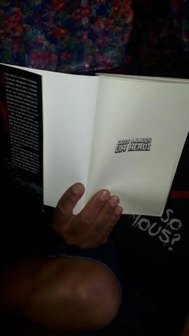 Dois mundos um heroi livro de colecionador. - Foto 3