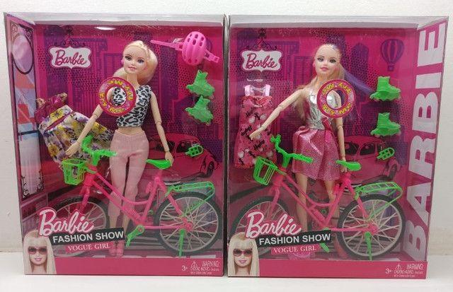 Barbie Boneca com Bicicleta e patins Acessórios Fashion Show Vogue Girl - Foto 5