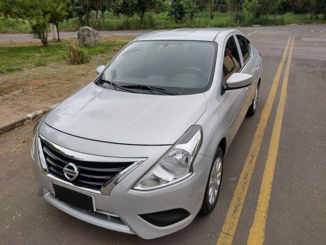 Nissan Versa 1.0 12V start flex completo 2016