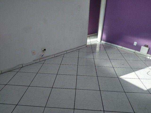 Ótimo apartamento Jd Carioca - Junto ao Comércio e Condução - Foto 3
