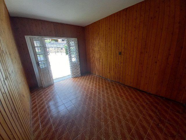 Alugo quarto e sala em condomínio com garagem no bairro Catarcione - Foto 4