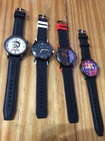 Relógio pulseira em borracha