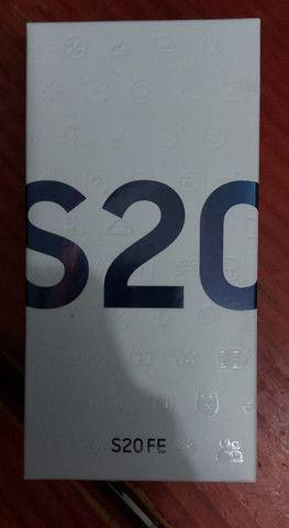 Samsumg S20 FE lacrado - Foto 2