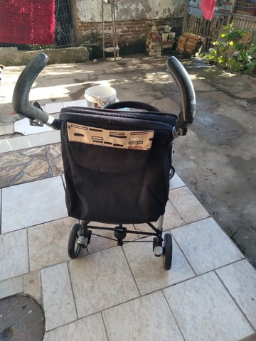 Vendo carrinho bebê Completinho sem mancha nada estragado novinho da marca peg-perego   - Foto 6