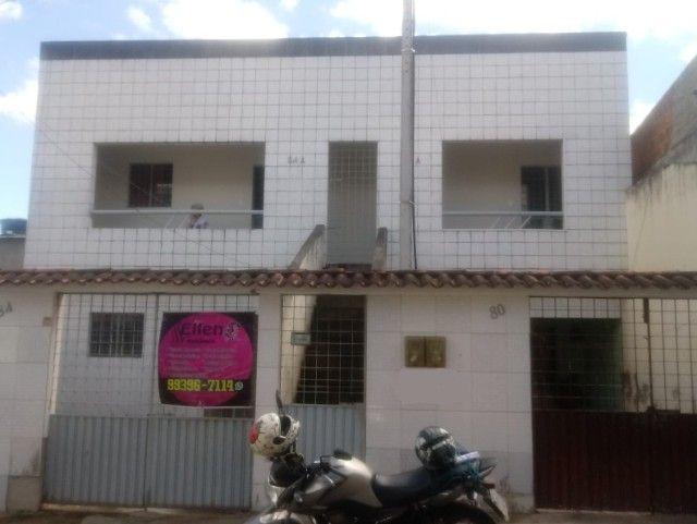 Apto. (1º andar) com garagem   Bairro Maria Auxiliadora   Próximo: Hospital Manoel Afonso