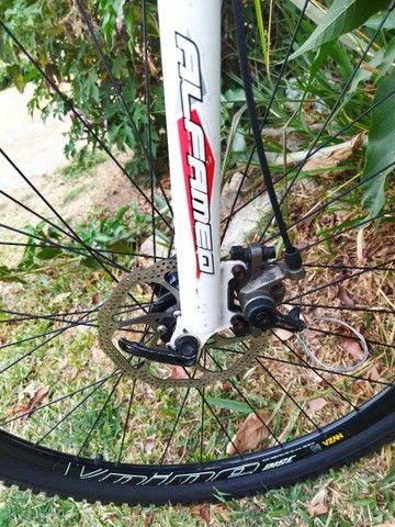 Bicicleta aro 29 Shimano Altus - Foto 6