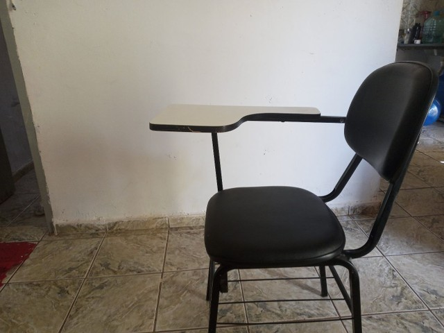 Vendo 1 Cadeira Universitária - Foto 2