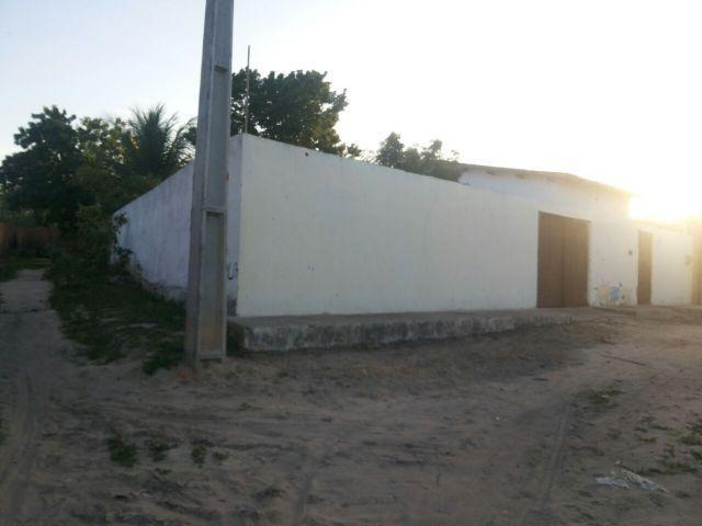 Casa em Pacajus, toda na cerâmica. troco 8737-9593 oi