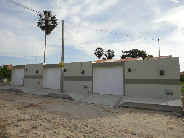 Casa nova, 2 suítes pedras, Itaitinga