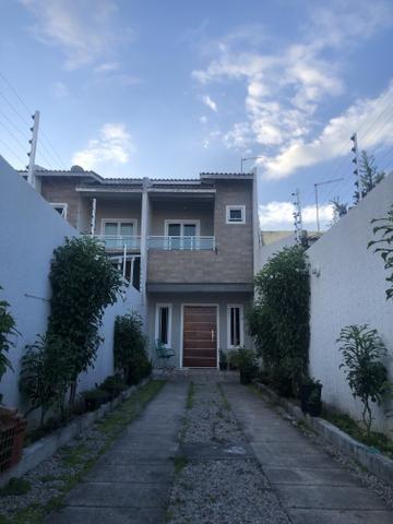 Vende-se casa Duplex no Itaperi