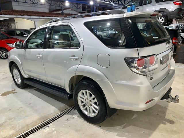 Toyota Hilux SW4 7 lugares 13/13 - Foto 6
