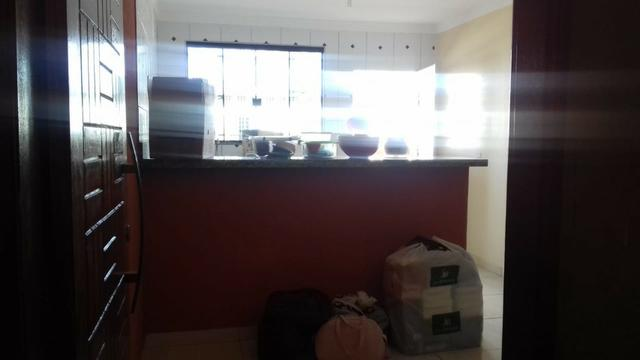 Ótima prédio, com 03 lojas e 04 apartamentos na avenida potiguar, de esquina - Foto 9