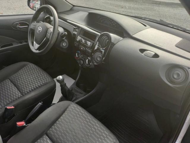 Toyota Etios X 1.3 - Foto 8