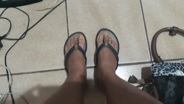 Duas sandalias rasteiras por 25 reais - Foto 3